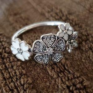 Pandora size 8 Flower ring